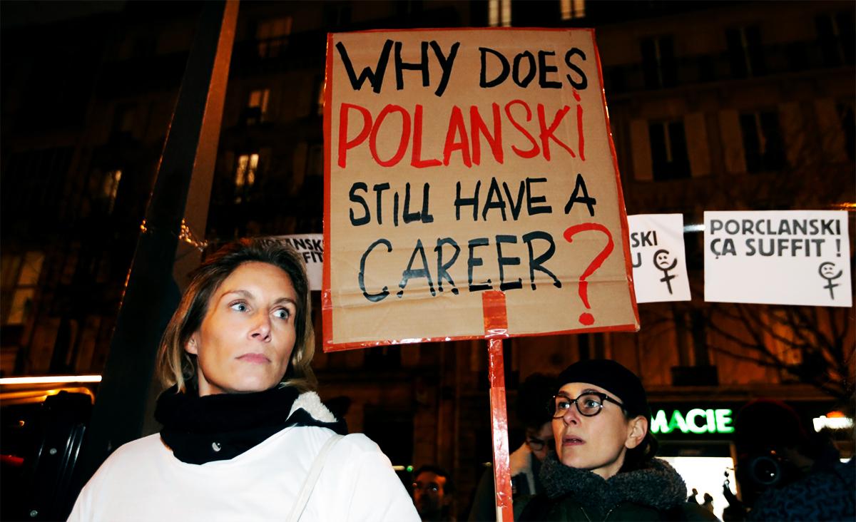 波兰斯基的电影获奖时引发了女性团体的示威。