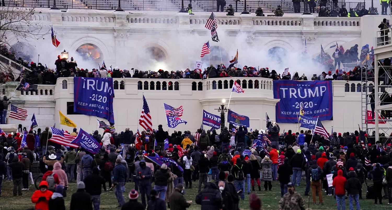 2021年1月6日,特朗普的支持者冲入美国国会大厦。
