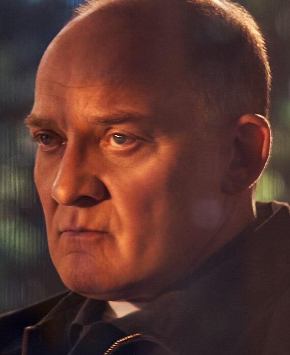 剧中的保安部高层Kenton。 (来源:FX)